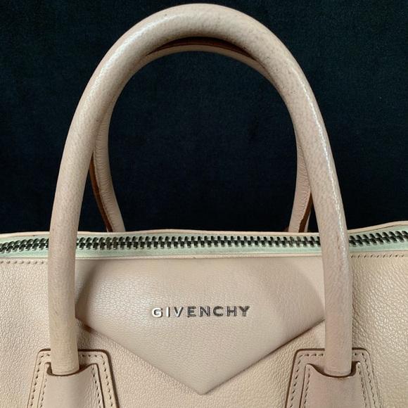 Givenchy Handbags - Givenchy Antigona Medium Bag in Blush pink